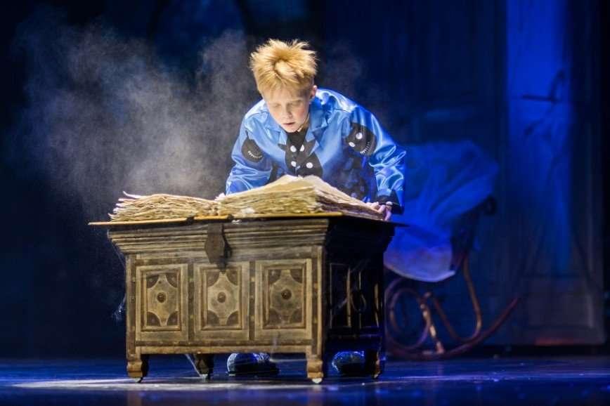 В ГЦКЗ «Россия» покажут спектакль-иллюзию для всей семьи «Дом с привидениями»