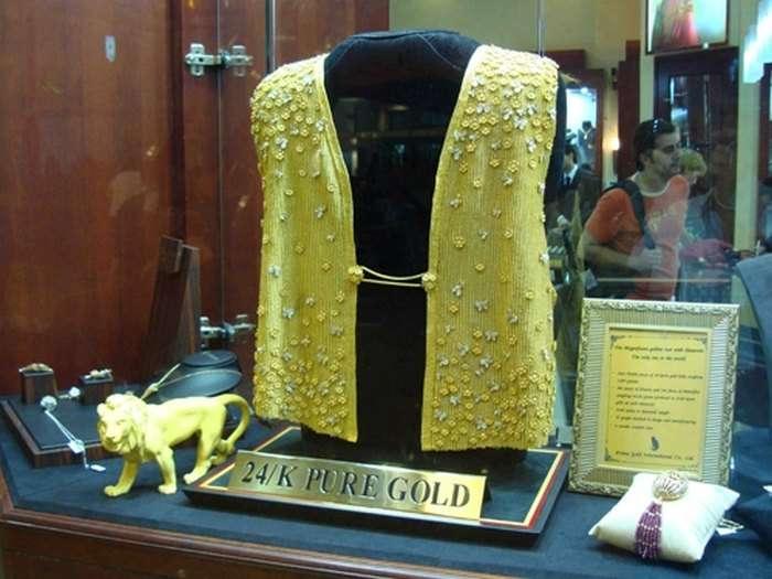 10 уникальных предметов одежды из чистого золота