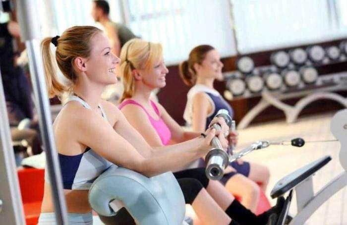 10 причин в пользу посещения спортзала с утра