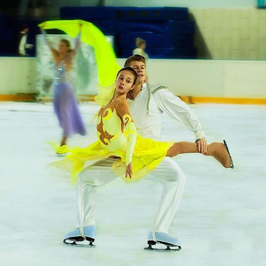 «Следующая олимпиада моя!»: Катя Старшова показала пируэты на льду
