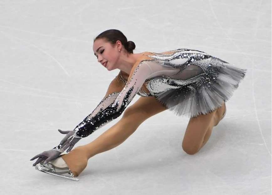 «Доказывать лидерство сложнее»: Алина Загитова расстроена результатом короткой программы