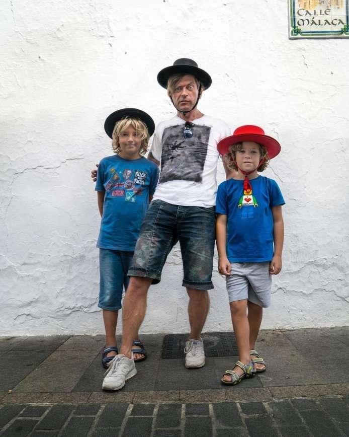 Лева Би-2 сожалеет, что делает детей похожими на себя