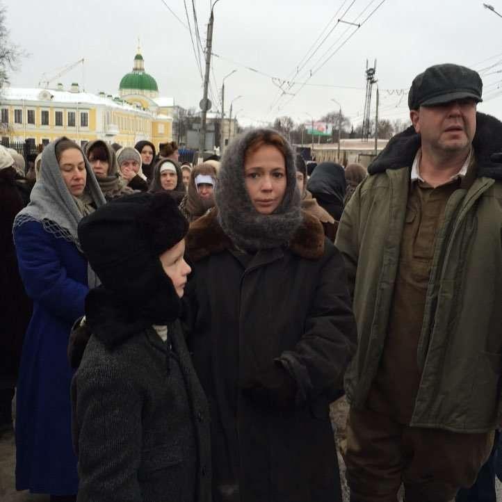 «Деревенская барышня»: Елена Захарова рассказала, чем пахнет сено