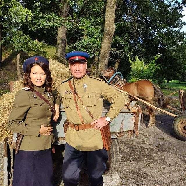 Товарищ следователь: Екатерина Климова похвасталась колоритными снимками со съемочной площадки