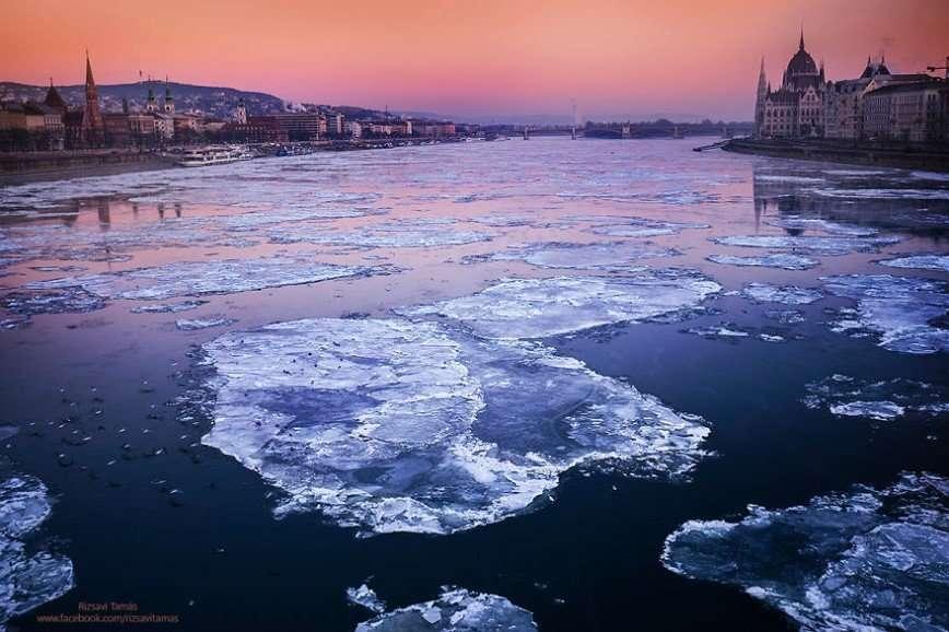 Редкое зрелище: замерзший Дунай