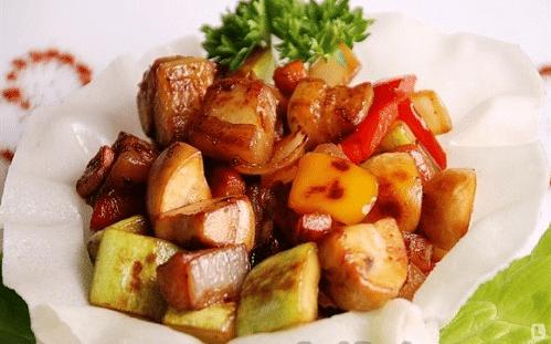 Овощное соте с баклажанами и яблоками